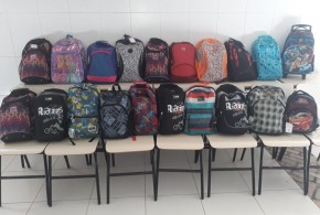 Ser Social recebe doação de material escolar